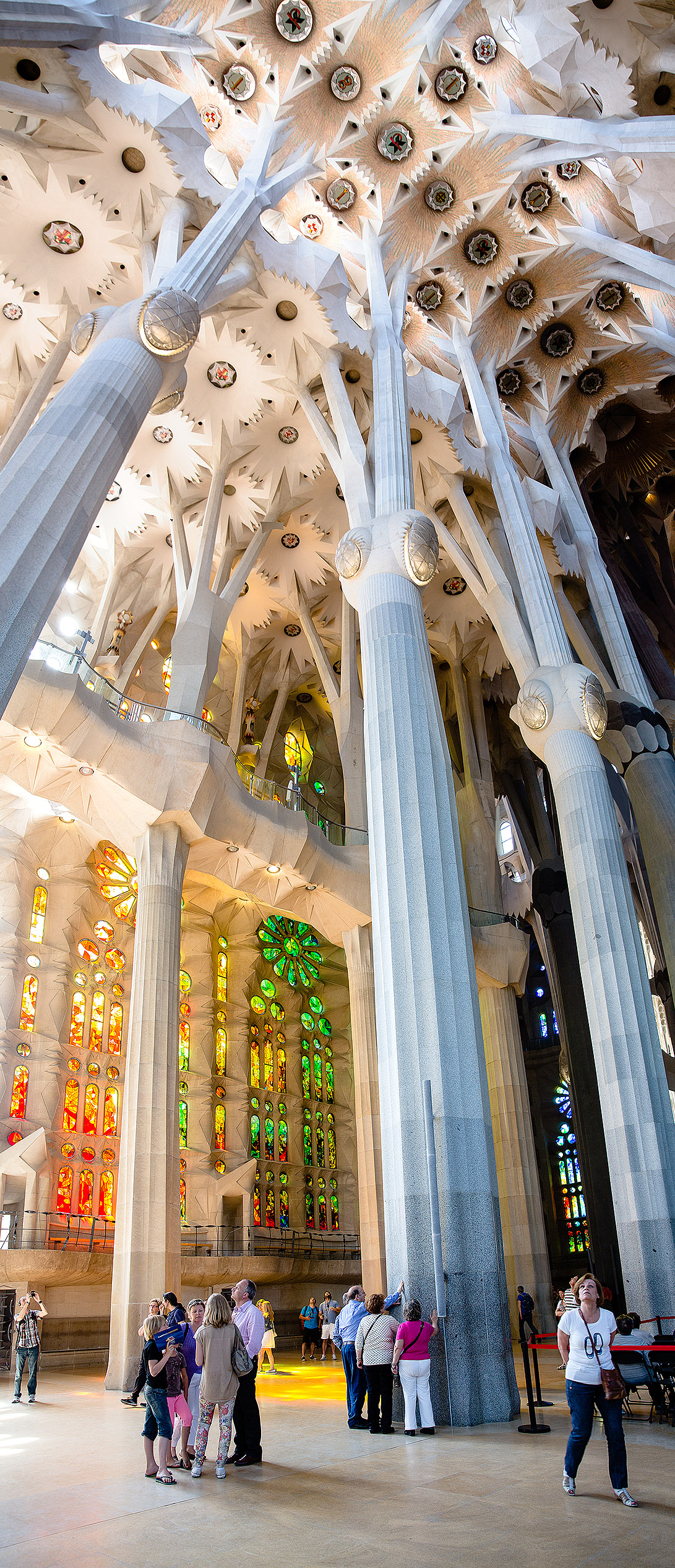 Sagrada familia the most amazing and dangerous church you for Interior sagrada familia